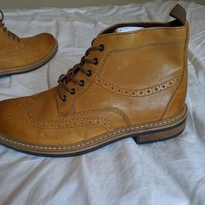 Clark's Men's size 9.5 Darby Rise Boots